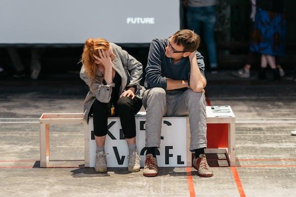 Jonas Staal, Training for the Future, A Pre-Enactment, 2018. productie Ruhrtriënnale – Foto: Daniel Sadrowski.