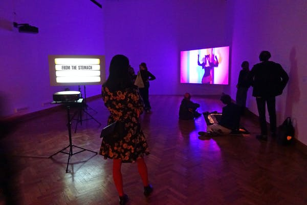 Ana Torfs, The Magician & the Surgeon , tentoonstellingszicht BOZAR, Brussel, 2020 – © foto: Jurgen Persijn