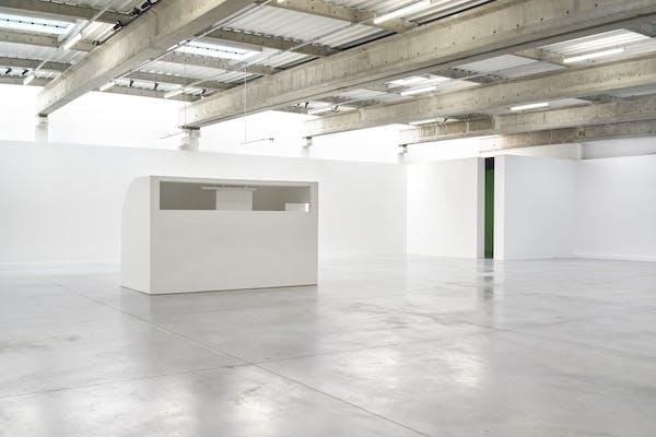 Installatiezicht Fundamentalist Cubes: Inside Spaces by Bruce Nauman, Absalon, and Gregor Schneider, september 2018-maart 2019, M-ARCO Marseille, foto Denis Prisset