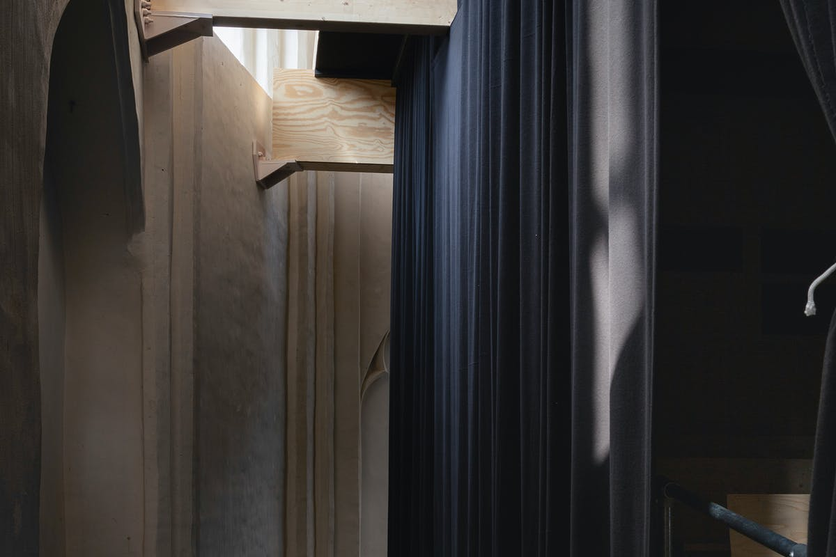 Olivier Goethals, Spatial Intervention KHG02 , film- en lezingenzaal, uitvalsbasis Art Cinema OFFoff, Kunsthal Gent. – Foto Michiel De Cleene