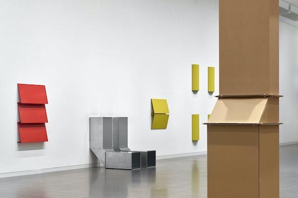 Charlotte Posenenske: Work in Progress, 2020, tentoonstellingszicht in K20, Kunstsammlung Nordrhein-Westfalen, foto Achim Kukulies