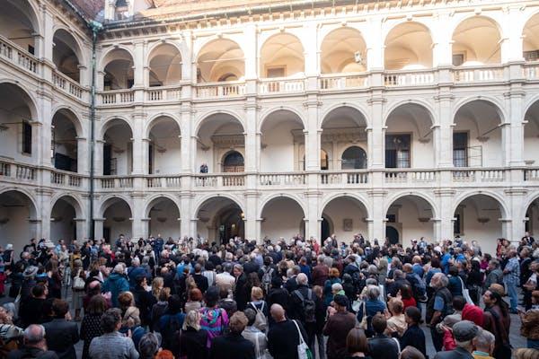 Ekaterina Degot, steirischer herbst '19 Opening Speech, Landhaushof Graz – Foto: Mathias Völzke