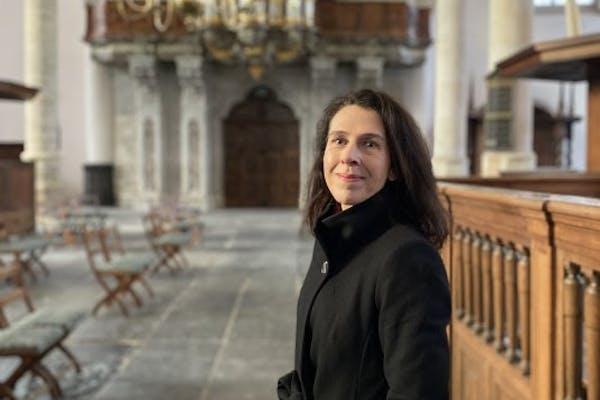 Jacqueline Grandjean in de Oude Kerk, foto: Koos de Wilt